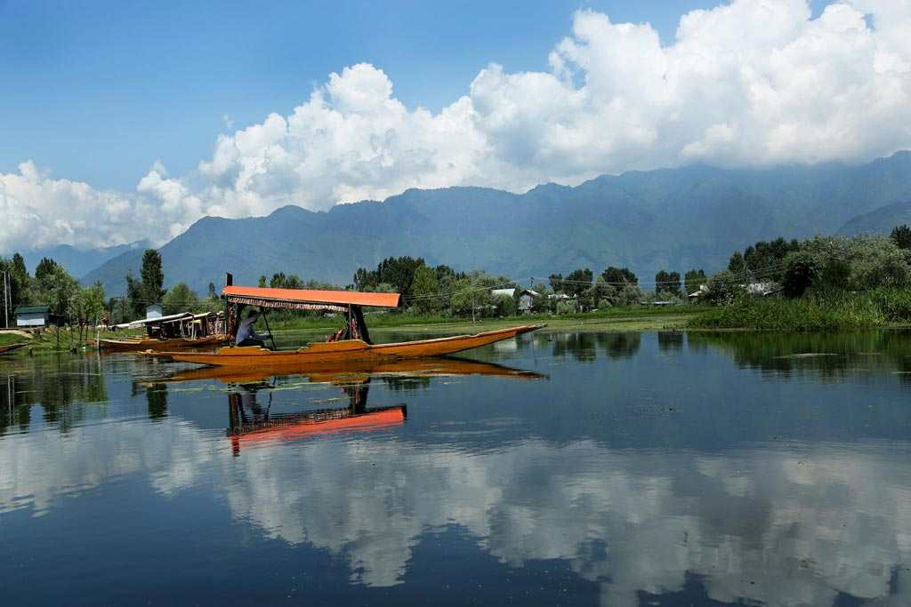 Dal-lake-Srinagar-thumb